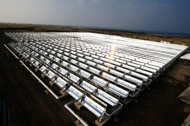 Solar trough collectors in Hawaii. Photo by Xklaim, from Wikimedia Commons.