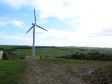 UK wind turbine. Photo by  James Allan. From Wikimedia Commons.