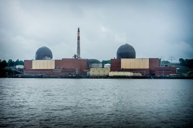 Indian Point nuclear plant. Photo by Peretz Partensky from San Francisco, USA. Wikimedia Commons.