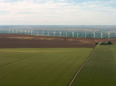 Stateline Wind Project, Eastern Oregon or Washington. Photo by Sam Beebe