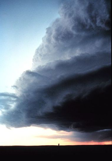 Shelf cloud of a supercell over Miami, Texas. NOAA Photograph. Wikimedia Commons.
