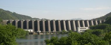 Foziling Dam. Photo by Lastman. Wikimedia Commons.