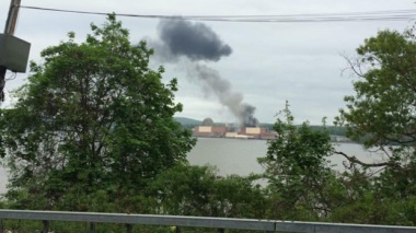 Black smoke billows from the Indian Point nuclear power plant on May 9, 2015. (Credit: @RocklandFires/Twitter)