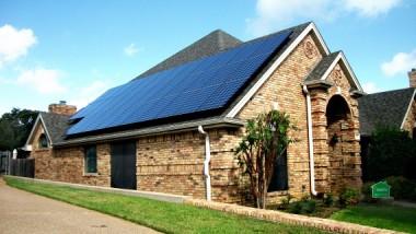 SolarCity in Arlington, TX – courtesy SEIA)