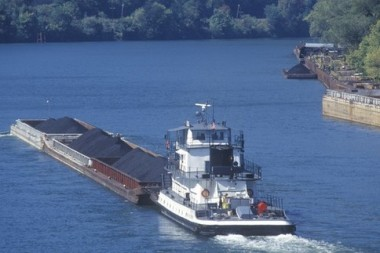 Coal barge on the Kanawha River in Charleston, West Virginia. Image: Joseph Sohm, Shutterstock.com