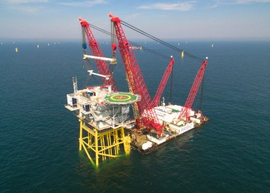 Substation lifted into place at Gemini (Rambiz)