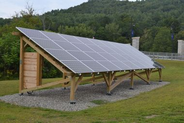 A solar array at the Vermont Law School. Photo by SayCheeeeeese. Public domain, CC0.