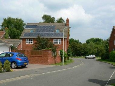 An Impressive Bank of Solar Panels St Marks Close, Bramley Green. Photo bySebastian Ballard. CC BY-SA 2.0. Wikimedia Commons.
