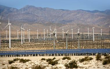 Hybrid wind and solar plant in the US