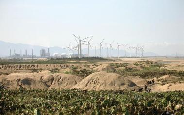 Wind farm in China. Author: David Schroeter. License: Creative Commons, Attribution-NoDerivs 2.0 Generic