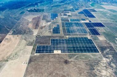 Topaz Solar Farm, a550-MW photovoltaic power station in San Luis Obispo County, California. Image by First Solar