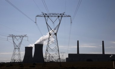 South Africa's struggling power utility Eskom has marked 30 straight days without imposing rolling power cuts, providing a spark of hope to an economy on the brink of recession. REUTERS/Siphiwe Sibeko