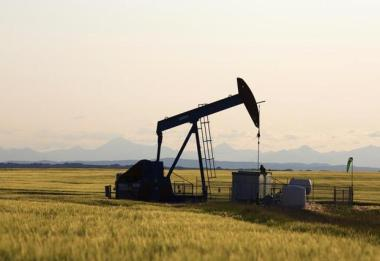 Oil pump. Reuters photo.