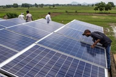 A solar power microgrid in the village of Dharnai in Bihar. Prashanth Vishwanathan / Bloomberg