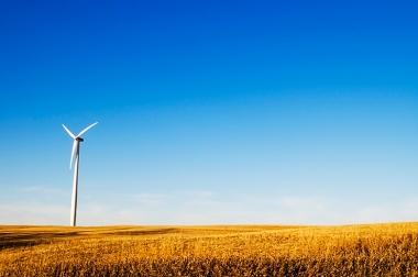 Wind turbine near Lincoln, Nebraska. Photo by Blamphoto. CC BY 2.0. Wikimedia Commons.
