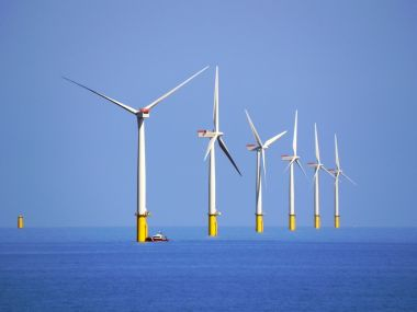 The Walney wind farm off the coast of Cumbria, UK, in the Irish Sea. The US wants to follow Europe's lead on offshore wind. (Wikimedia Commons)