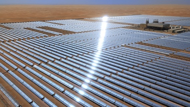 Shams 100-MW concentrated solar plant in Abu Dhabi, UAE (Flickr/ Masdar Official)