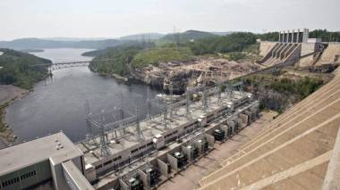 The Jean-Lesage hydro-electric dam generates power along the Manicouagan River, north of Baie-Comeau, Quebec. AP file photo
