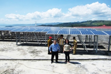 Solar power in Indonesia. Courtesy of The Netherlands Education Support Office Indonesia.