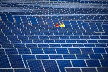 SunEdison installation at Charanka solar park in Gujarat. Credit: SunEdison