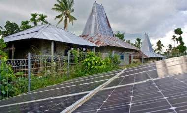 Clean energy is spreading in Sumba, Indonesia. Shutterstock / Asian Development Bank