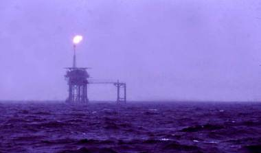 North Sea Oil rig. Photograph by Isaac Newton. CC BY-SA 2.5 Generic. Wikimedia Common.