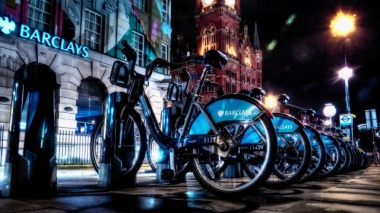London cycling. Photo by David Skinner (some rights reserved)