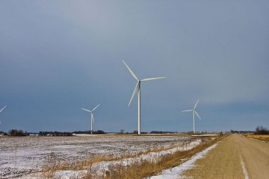 Wind farm in Iowa. Photo by Tony Webster. CC-BY-SA 3.0. Wikimedia Commons.