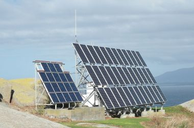 The 9KW capacity solar system on Montague island.  Photo by Binarysequence. CC BY-SA 3.0 unported. Wikimedia Commons.