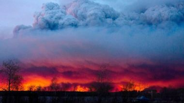 Fort McMurray fire. AP photo. According to the Weather Channel, high temperatures were at 90° F, or 32° C, breaking the old record of 82° F.