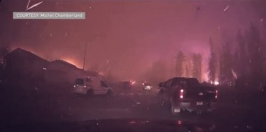 Cars fleeing Fort McMurray