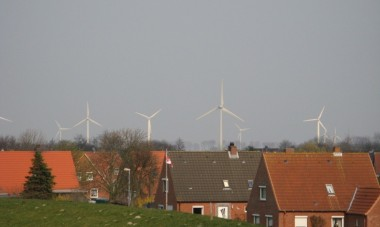 German wind farm. Image via Wikimedia.