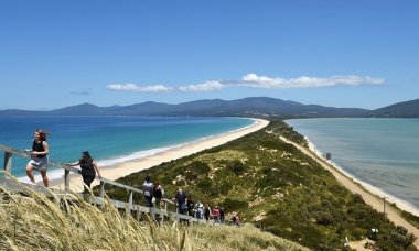 Bruny Island has huge spikes of power demand during the holiday season. Photo by Dave Hunt/AAP