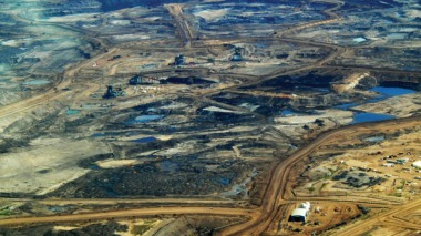 Canadian tar sands. Flickr / howlcollective.