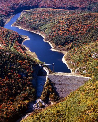 Ball Mountain Lake and Dam. US Army Corps of Engineers photo. Public domain. Wikimedia Commons.