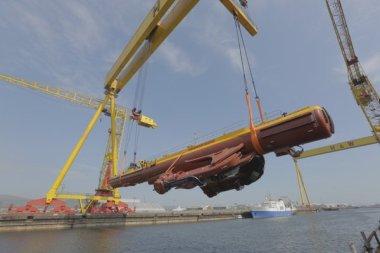 SR2000 tidal turbine. Photo courtesy of Scotrenewables Tidal Power.