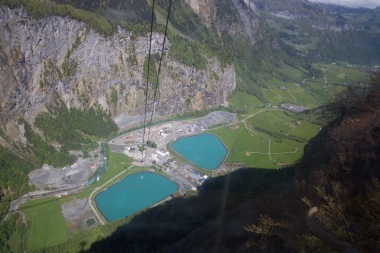 The Linthal plant is located above a narrow Swiss valley. Image credit: GE Reports / Tomas Kellner