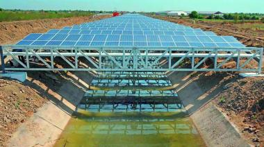 Canal-top solar power project