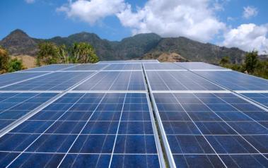 Solar park in Indonesia. Author: Bart Speelman. License: Creative Commons. Attribution 2.0 Generic.