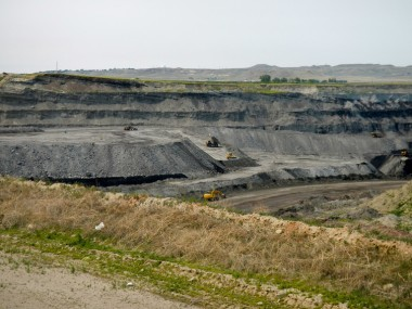 Strip mining, Powder River Basin, Wyoming. WildEarth Guardians/Flickr, CC BY-NC-ND