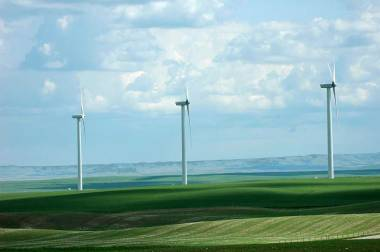 Magrath Wind Power Project in southern Alberta. Photo by Chuck Szmurlo. CC BY-SA 3.0. Wikimedia Commons.