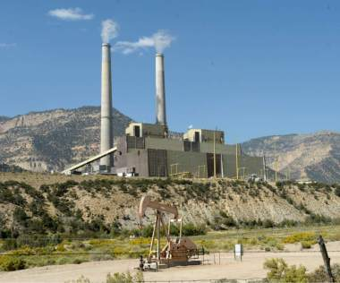 PacifiCorp's Huntington coal-fired power plant could be producing more power and emitting slightly more carbon if the utility is an early joiner of a proposed regional electric grid. (Al Hartmann | The Salt Lake Tribune)