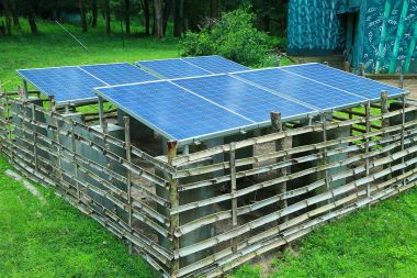 Solar array in India. Parambikulam Tiger Conservation Foundation. CC BY-SA 4.0 Wikimedia Commons.