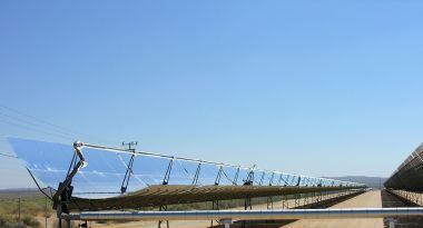 Parabolic trough solar thermal electric power plant at Kramer Junction, California. Photo by kjkolb. CC BY-SA 2.5. Wikimedia Commons