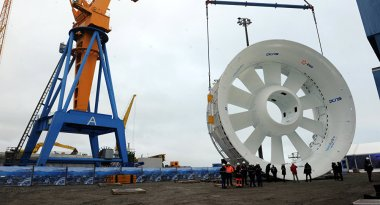Submarine turbine awaiting installation. © AFP 2016 / Fred Tanneau