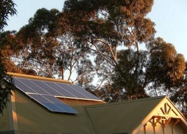 Rooftop solar system in Australia. Flickr: Michael Coghlan