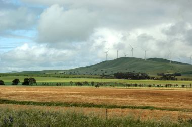 Hallett Wind Farm, South Australia. Photo by Ian Sutton. CC BY-SA 2.0. Wikimedia Commons.