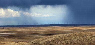 Wind turbines in North Dakota. USFWS Mountain-Prairie photo. CC BY-SA 2.0. Wikimedia Commons.