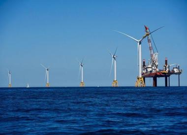 Final turbine installed at Block Island. Deepwater Wind photo.