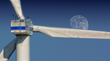 Wind turbine and moon. Pic: Pixabay